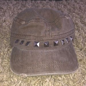 Accessories - Studded hat